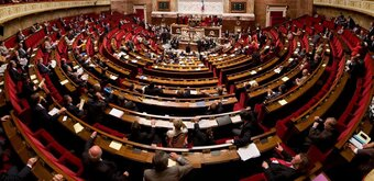 Les députés font entrer les données personnelles dans la Constitution, avec peu d'effets
