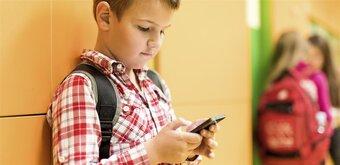 Le Sénat durcit la proposition de loi sur l'interdiction du portable à l'école