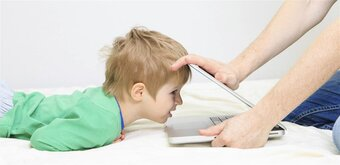 Contre l'exposition des enfants aux écrans, une sénatrice veut imposer des messages de prévention