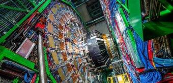 Grand collisionneur de hadrons : 10 ans de physique et de démesure