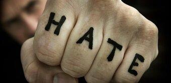 La CNCDH étrille la proposition de loi contre la haine en ligne