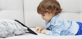 Le Sénat s'attaque à l'exposition précoce des enfants aux écrans