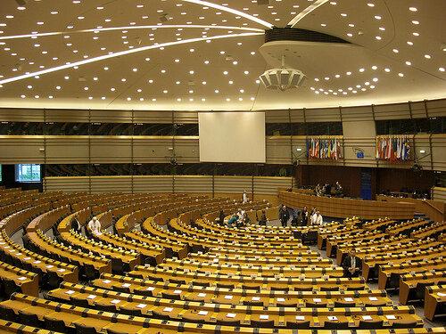 Bruxelles, le parlement européen par Tiseb licence CC BY SA 2.0
