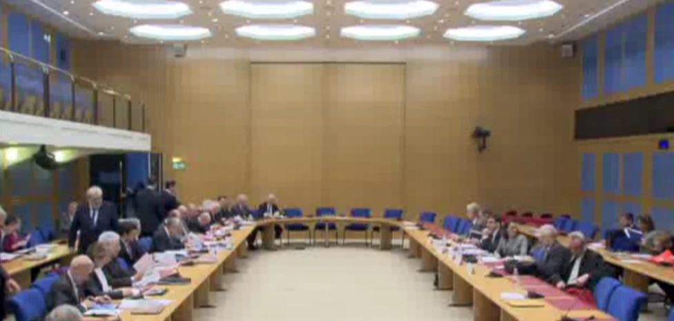 sénat commission