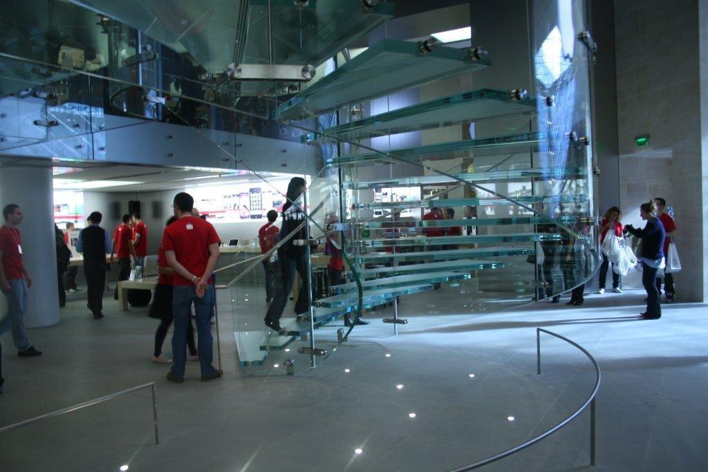 Inauguration De L 39 Apple Store La Suite Des Photos