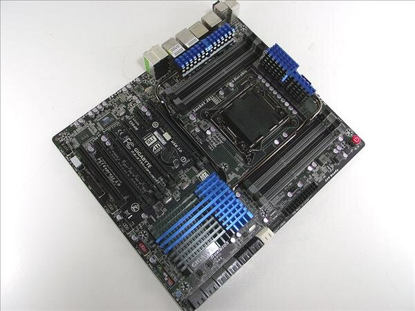 Gigabyte X79S UP5