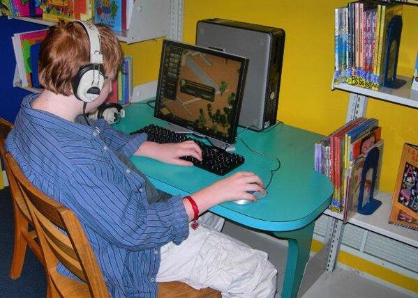 jeune ordinateur
