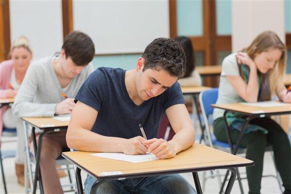 Etudiants Ecole Examens