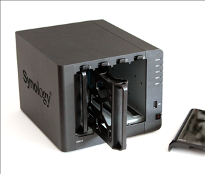 nas synology ds413