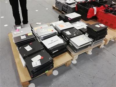 Des lots d'ordinateurs portables, certains HS