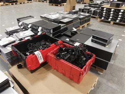 Des lots d'ordianteurs, portables et cables récupérés par HPE