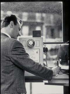 cabine téléphonique internet orange web