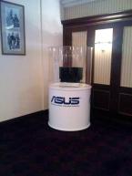 Asus NX90 avant