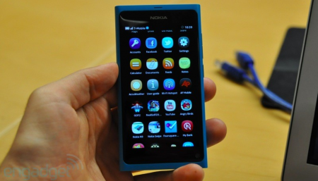 Nokia N9 smarphone MeeGo
