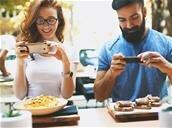 Facebook continue de manger le monde et vous propose de commander vos repas