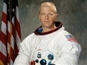 Paul J. Weitz, premier commandant de la navette Challenger, est décédé