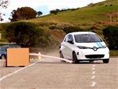 Renault présente un système de conduite autonome évitant des obstacles aussi bien qu'un pro