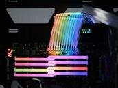 Strimer : le câble d'alimentation ATX 24 broches RGB de Lian Li disponible pour 39,90 euros