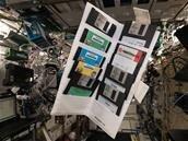 Alexander Gerst a trouvé de vieilles disquettes dans la Station spatiale internationale