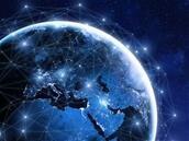 Starlink : SpaceX prévoit un lancement commercial mi-2020, Elon Musk publie son premier tweet