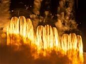 Falcon Heavy : le premier étage récupéré est tombé à cause de la mer agitée