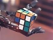 Une main robotique parvient à résoudre un Rubik's Cube
