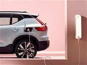 Volvo dévoile son premier véhicule 100 % électrique : le XC40 Recharge