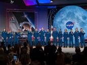 La NASA (et le CSA) présente 13 nouveaux astronautes, dont 6 femmes