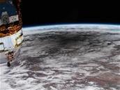 Une éclipse annulaire vue depuis la Station spatiale internationale