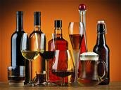 Les députés LFI veulent élargir sur Internet l'interdiction de la publicité pour l'alcool