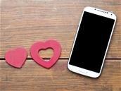 Facebook Dating lancé aux États-Unis avec Secret Crush, puis en 2020 en Europe
