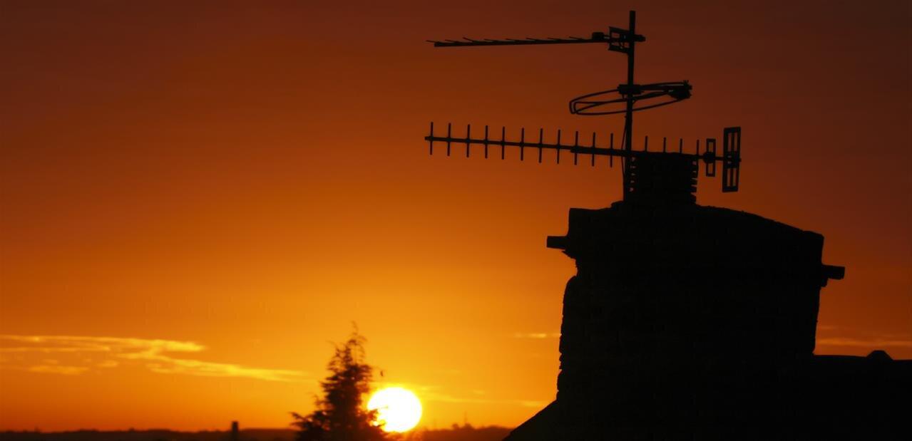 TNT : l'ARCEP veut prolonger la régulation de TDF, en attendant de meilleurs débits Internet