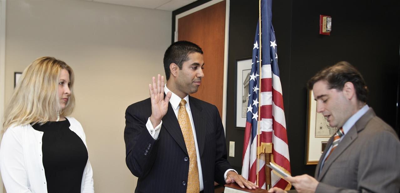 Le patron de la FCC menacé d'une enquête du Congrès américain
