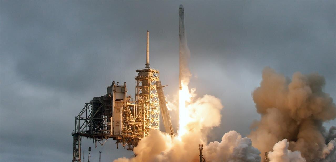 SpaceX : la nouvelle fusée Falcon 9 « Block 5 » en place pour un décollage demain