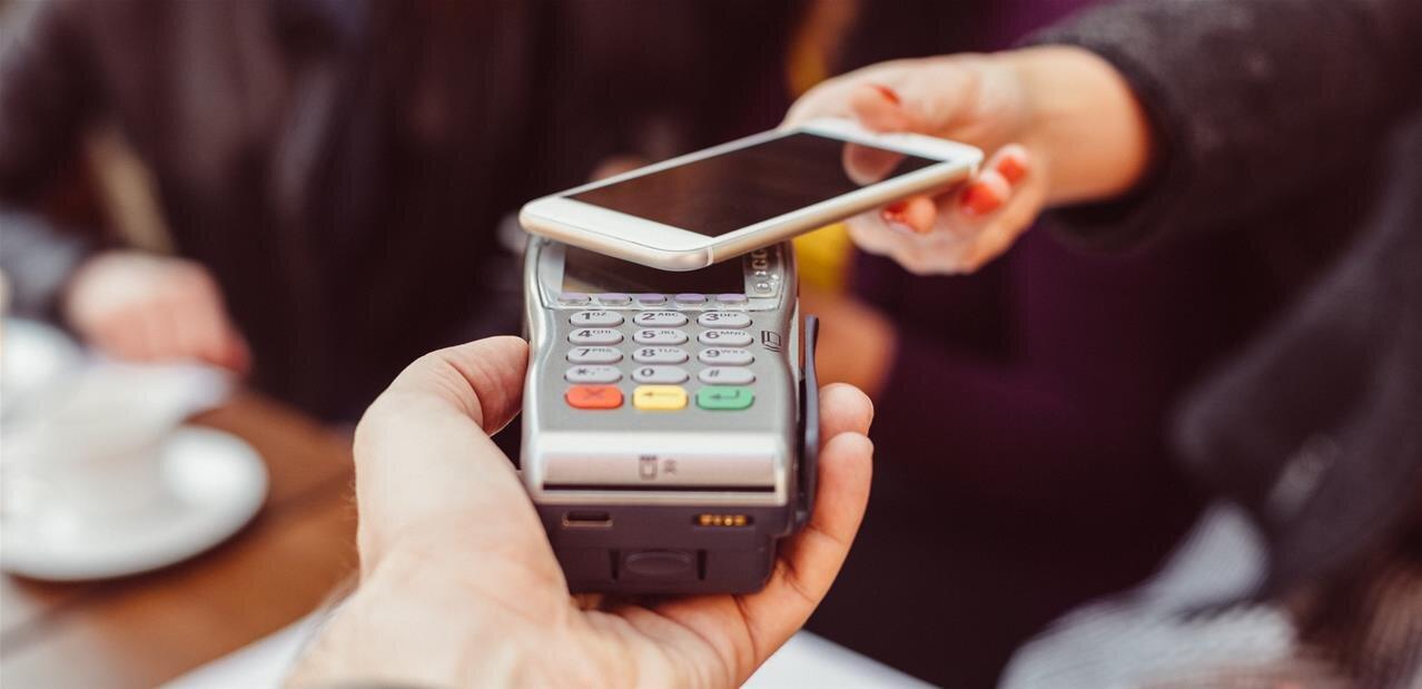 paiement sans contact avec smartphone