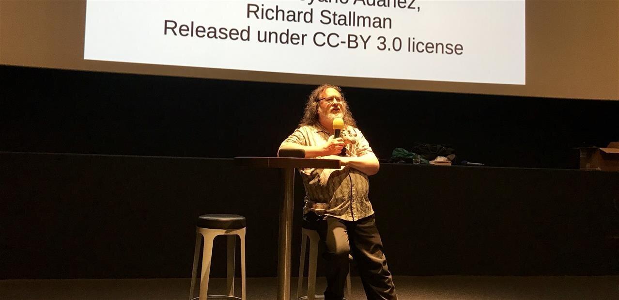 En marge de l'affaire Epstein, Stallman démissionne du MIT et de la Free Software Foundation