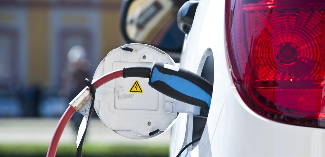 LG va ouvrir une usine de batteries pour voiture électrique en Pologne