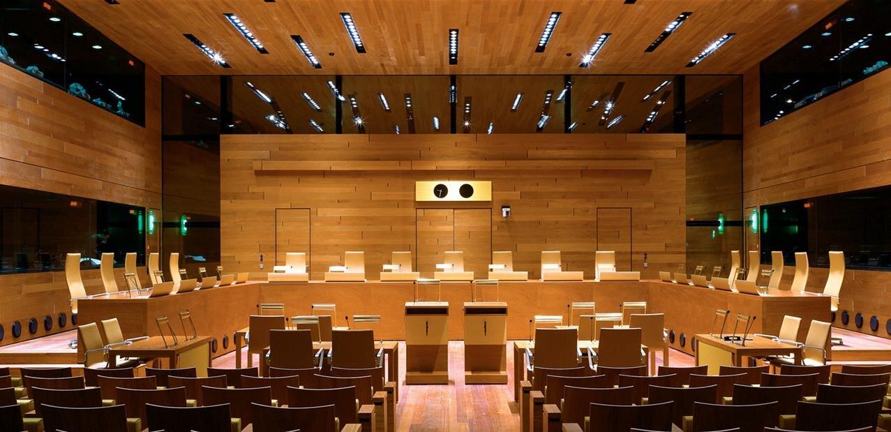 À la porte de la CJUE,un internaute requalifié vendeur professionnel après huit petites annonces