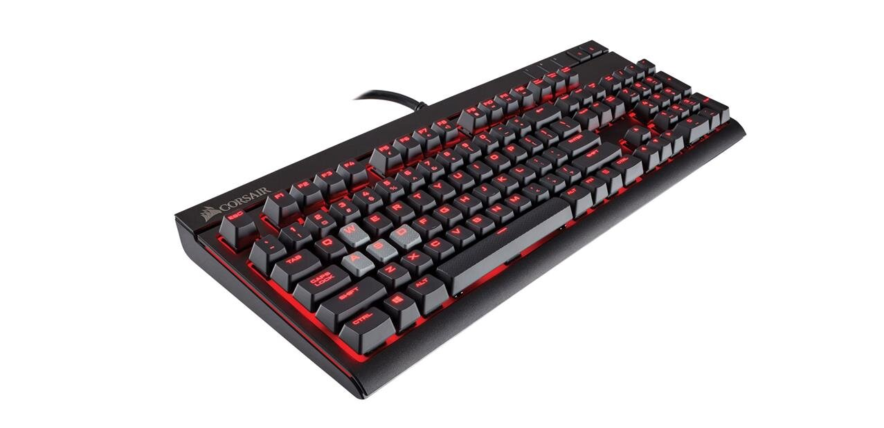 Un clavier mécanique Corsair Strafe (MX Brown) : 83,99 euros