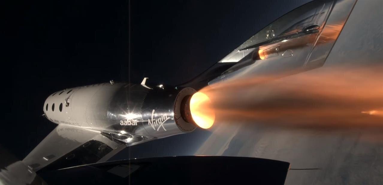 Virgin Galactic : VSS Unity allume son moteur, monte à 25 000 mètres et atteint Mach 1,87
