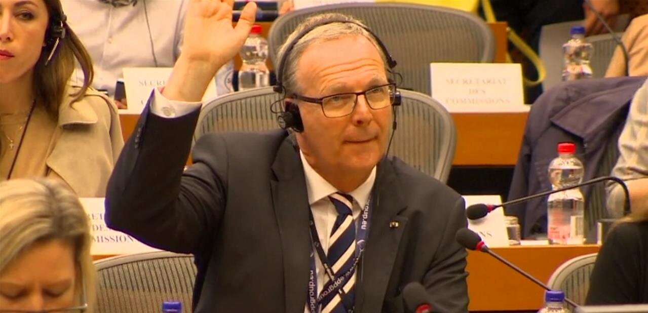 Directive droit d'auteur : le filtrage et la #linktax adoptés en commission JURI