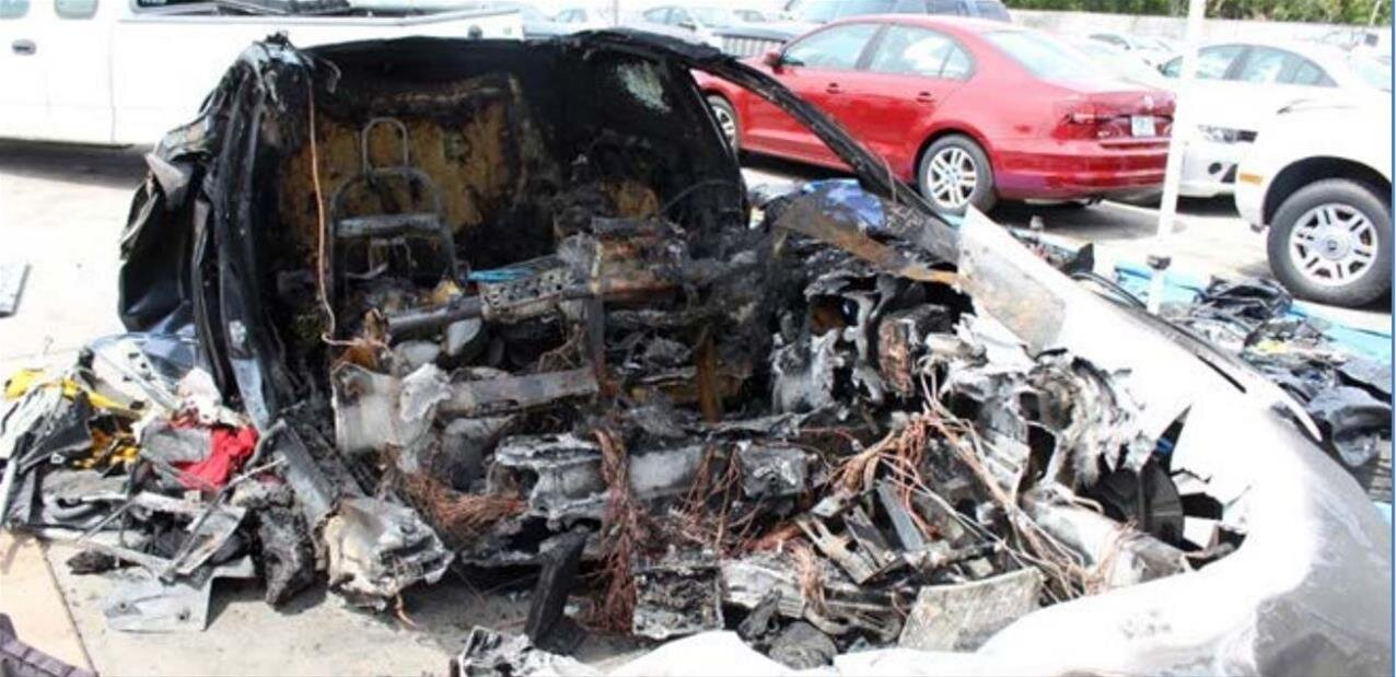 Premier rapport du NTSB sur l'accident mortel d'une Model S avec batteries en feu