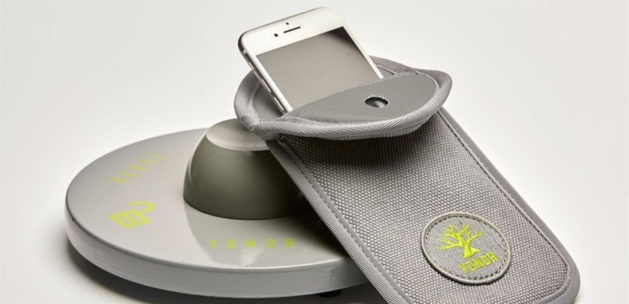 Spectacle Épilogue de Florence Foresti : les smartphones devront être « verrouillés » dans une pochette