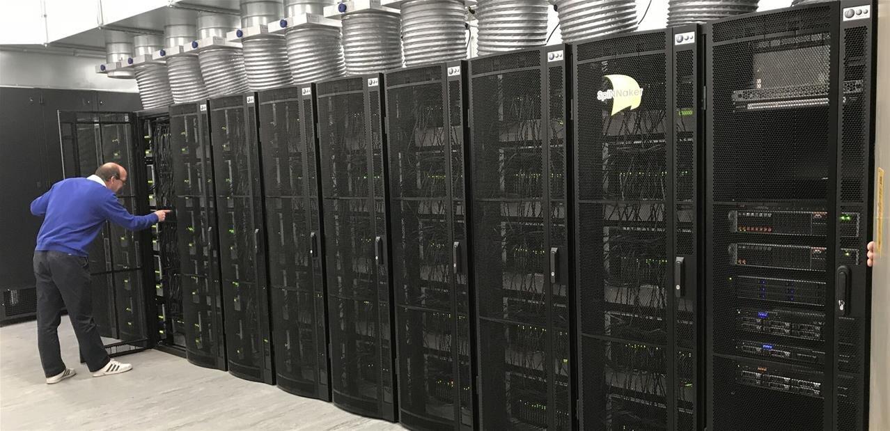 « Cerveau humain » : l'université de Manchester allume son superordinateur SpiNNaker