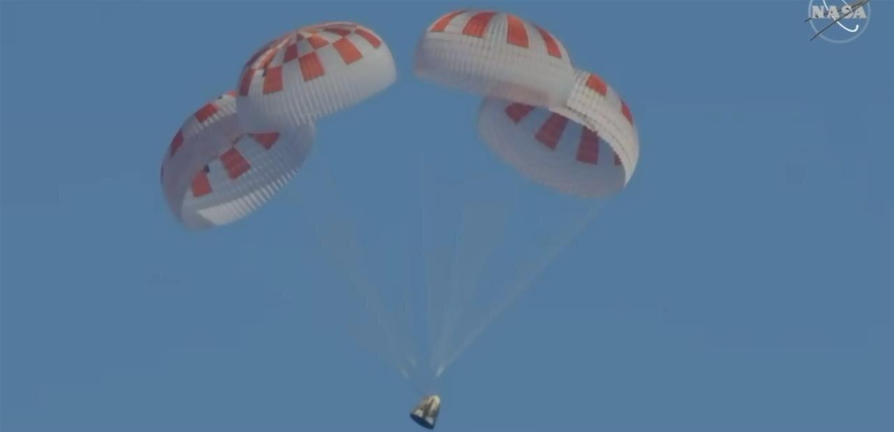 Crew Dragon : un test des parachutes ne se déroule pas comme prévu, le premier vol habité pourrait être repoussé