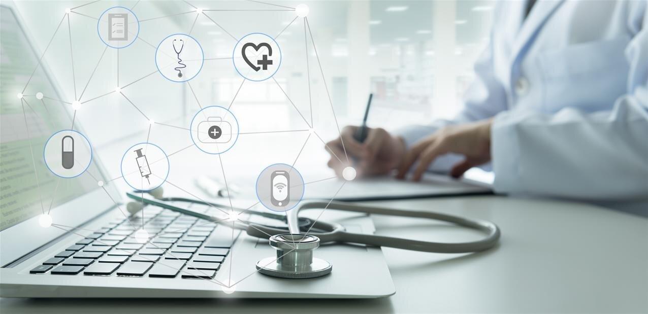 Santé : des professionnels s'inquiètent des « risques multiples » d'exploitation des données chez Microsoft