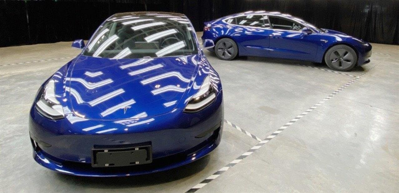 Tesla présente sa Model 3 fabriquée dans sa gigafactory en Chine