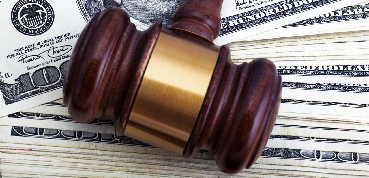 Les fondateurs d'une ICO frauduleuse arrêtés aux États-Unis