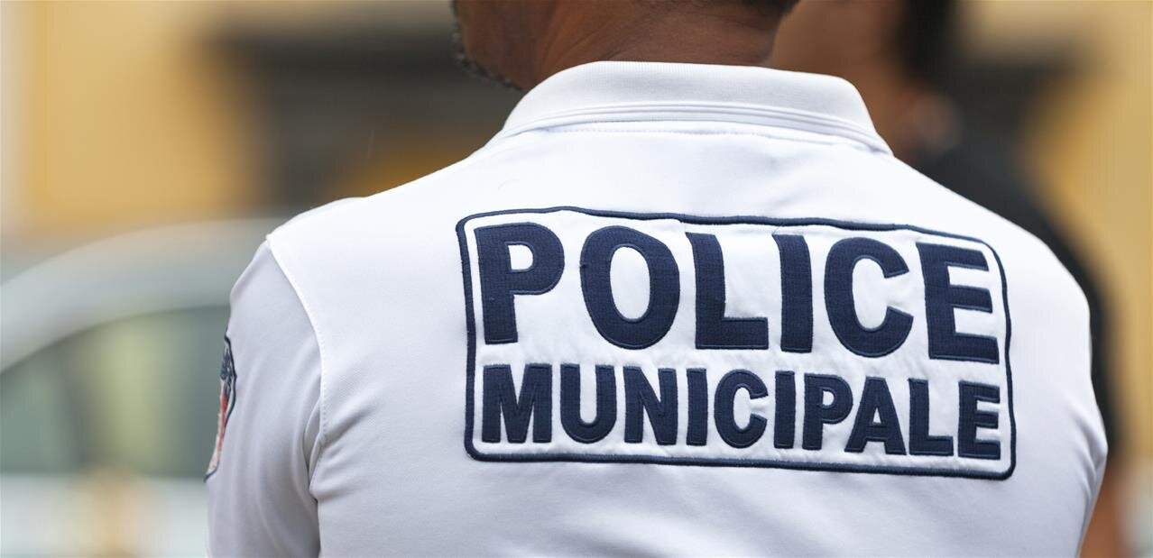 Caméras-piétons : feu vert du Parlement pour les policiers municipaux et les pompiers